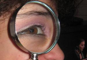 Magnifying_glass_2911